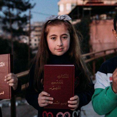 Kinderen met Bijbels